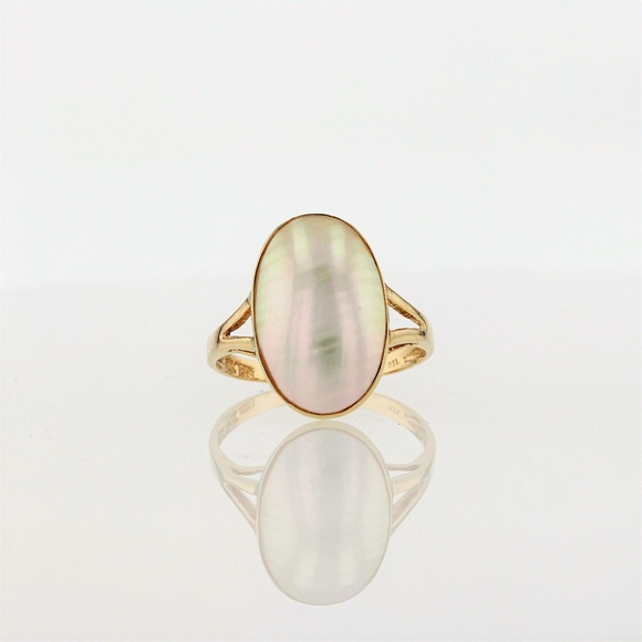 Jewelry - 14k Gold Mother of Pearl Ring